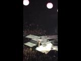 Selena speak with a fan on FaceTime