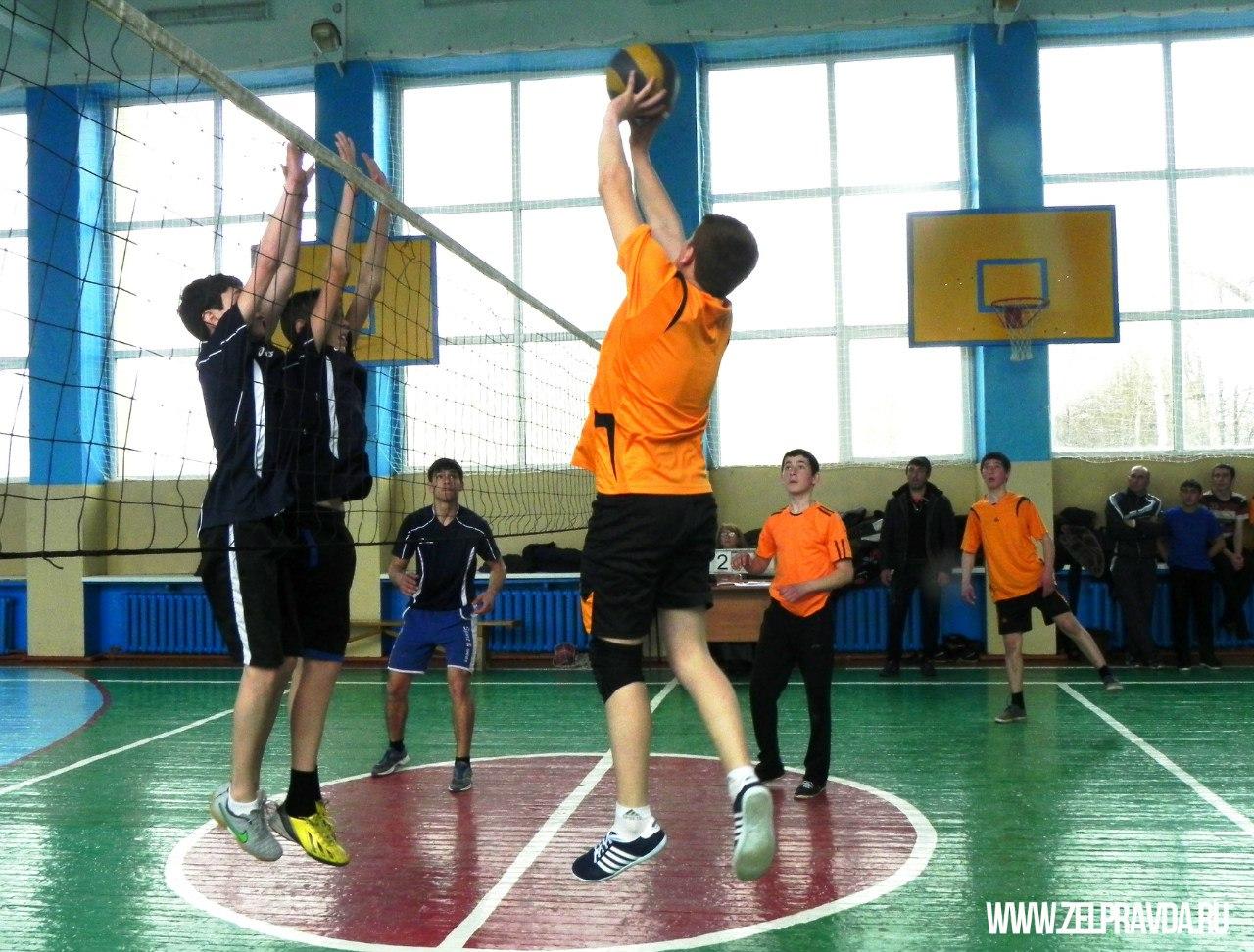 В станице Зеленчукской прошли зональные соревнования по волейболу