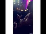 Рианна танцует под выступление Лайонела Ричи
