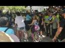 Carlos Vives y Shakira Montan La Bicicleta en el Parque Rosado de Barranquilla