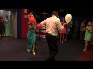 Конкурс на свадьбе дочери(понятия не имели как танцуется этот танец,но оочень старались..)))