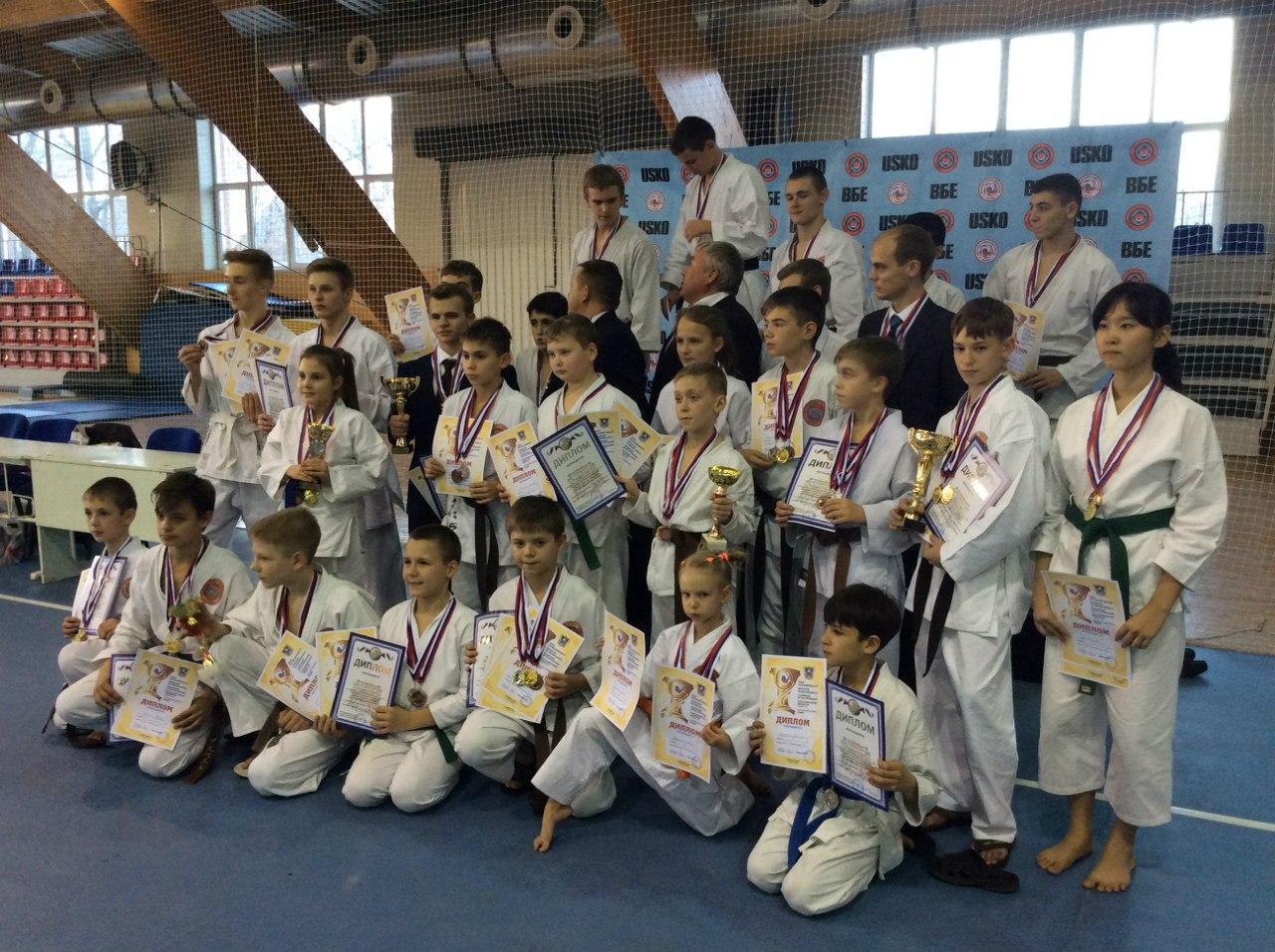 Таганрогские каратисты завоевали 57 медалей  на соревнованиях в Ростове