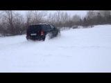 Форд Маверик по снегу.