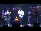 Omar Sy refait la danse de Intouchables sur sc