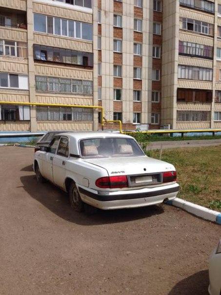 Житель Альметьевска просит убрать брошенный автомобиль на улице Бигаш