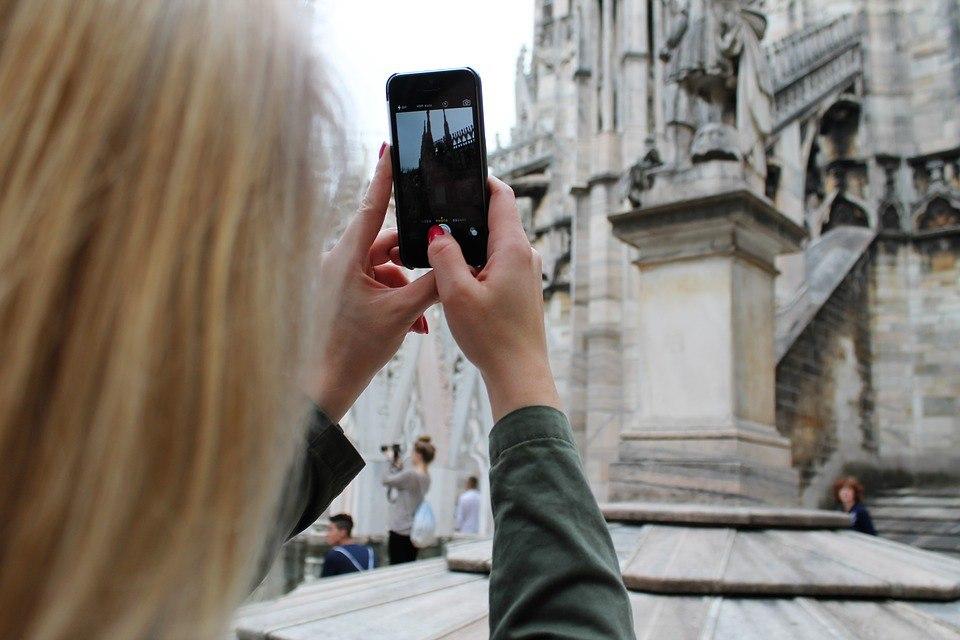 20 красивых фотографий со смартфонами