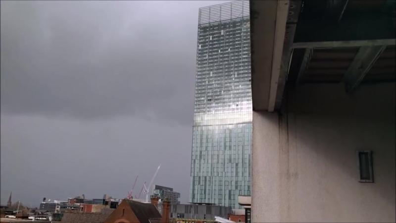 29 ноября в Манчестере...знаменитая Башня beetham - Мне очень нравится петь в ветреные дни
