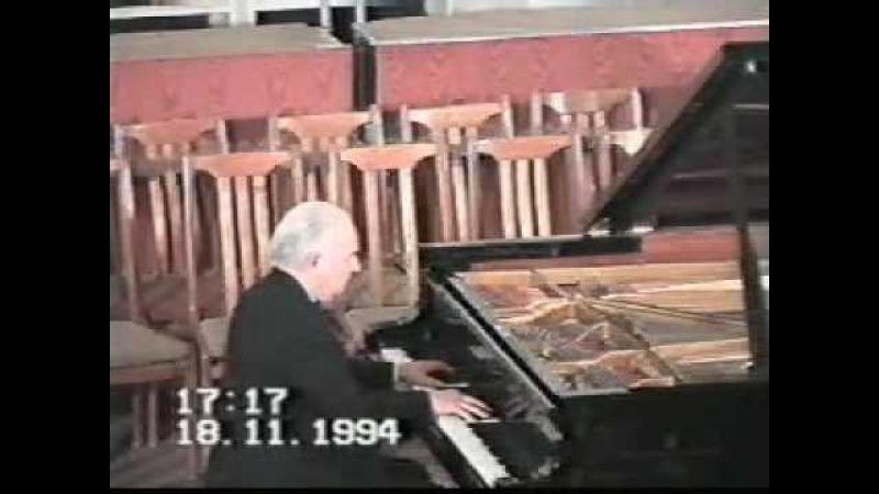 VICTOR MERZHANOV - Beethoven. Piano Sonata no. 14 in c-sharp minor, op. 27, no. 2 (1/2)