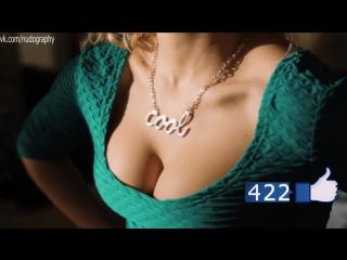 Ксения Теплова в сериале Анжелика (2014) - Сезон 1 / Серия 1 (1080p) - Голая? Декольте