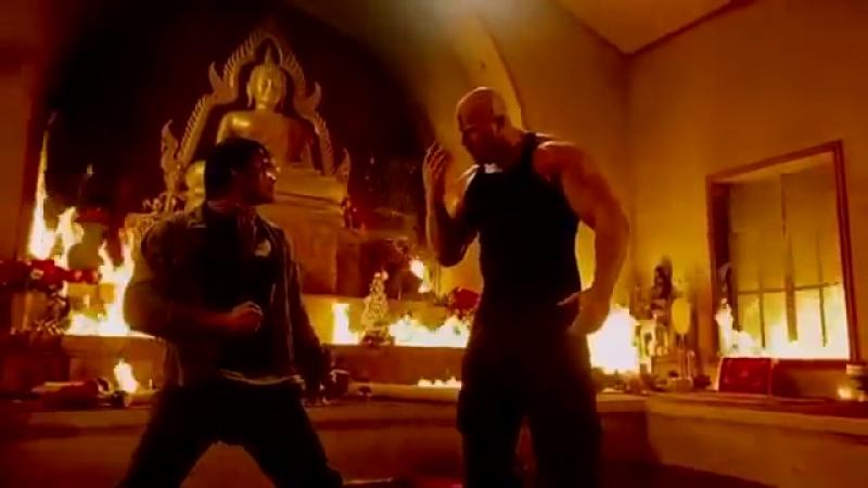 Tony Jaa VS. Nathan Jones - The Protector Tom Yum Goong (Temple Fight).