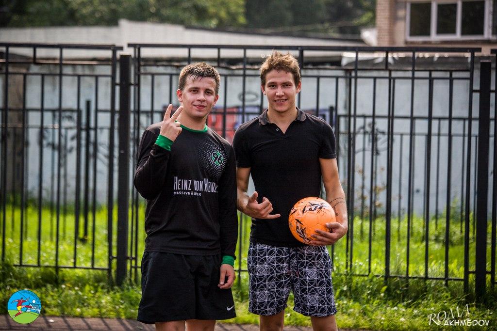 Антон Орлов и Евгений Лукин - легенды Техничных Панд - весело проводят время на турнире сборных 6х6, All Stars Show 2016.