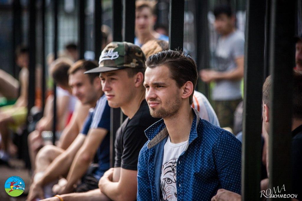 Александр Астафьев на трибунах Alba Road в день проведения турнира сборных 6х6.