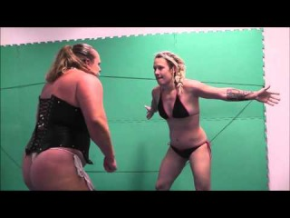 Female Wrestling Raw Power meets Martial Arts Anna Konda vs Rocket