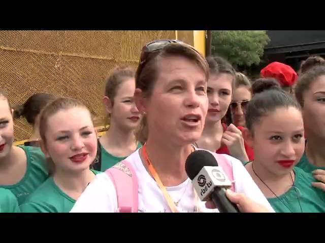 'Flash mob' reúne quase 10 mil no Festival de Dança de Joinville