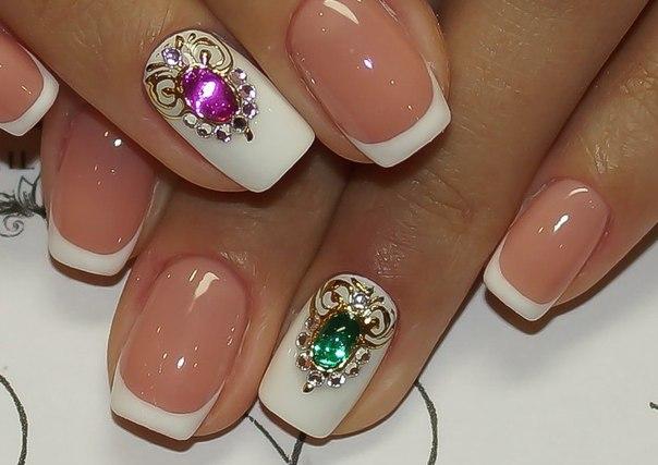 Дизайны ногтей френч с камнями