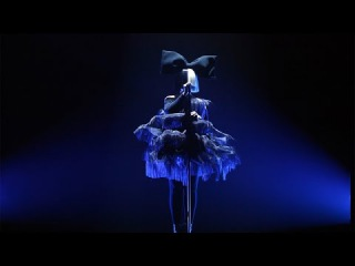 Sia Performs 'Unforgettable'