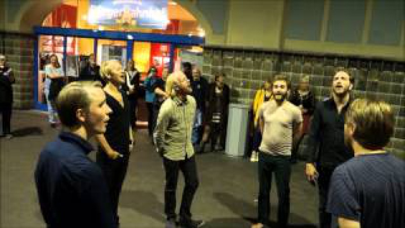 ARSTIDIR - Choir in a public Train-Station