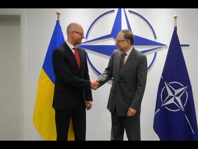 Яценюк у Брюсселі: Необхідність продовжувати тиснути на Росію усвідомлюють всі країни НАТО
