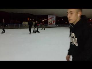 Коротко о том как я катаюсь на коньках :D