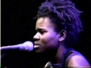 Tracy Chapman -Talkin' Bout A Revolution (Live and Acoustic 1988)
