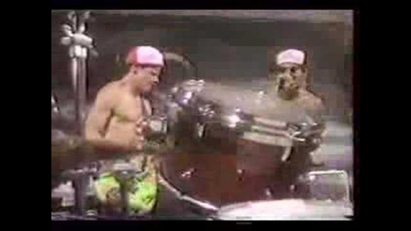 Red Hot Chili Peppers - MTV Cutting Edge 1984