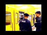 Мигрант в Берлине толкнул под поезд 20-летнюю девушку