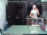 Девочка плохо танцует но ее сестра спасла ситуацию