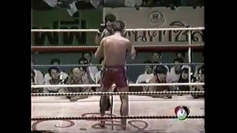 Rittisak vs Sankom - Muay Thai Fight