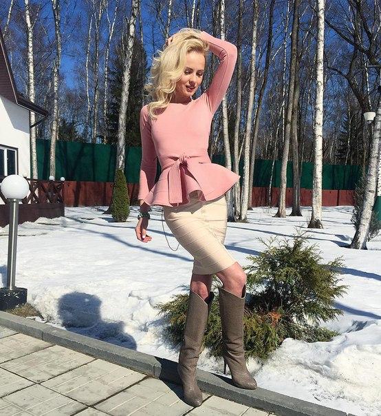 Русская взрослая тётя сосёт у 25 фотография