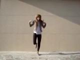 Офигенная девка, офигенно танцует
