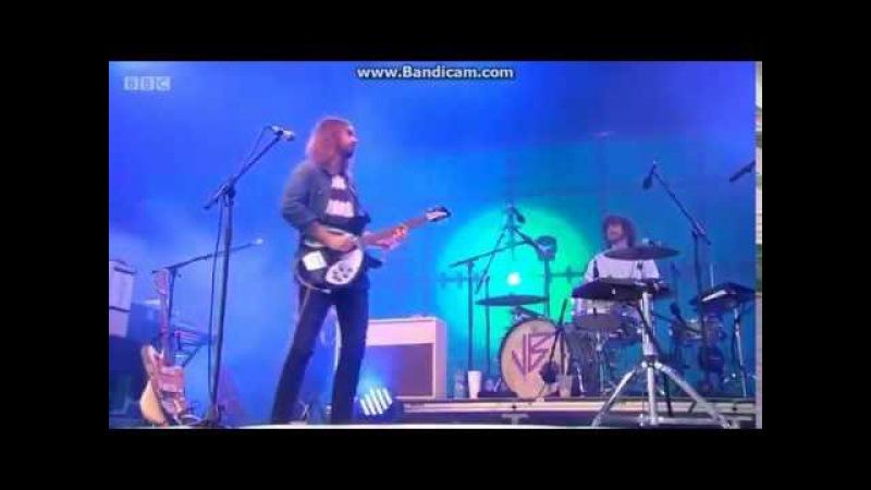 Tame Impala - Apocalypse Dreams (Glastonbury 2016)