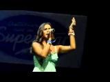 Sarah Engels singt bei der DSDS Tour 2014 in Graz