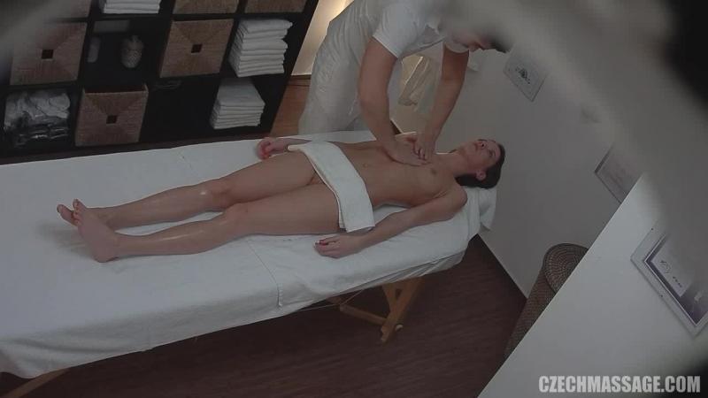 массаж интимных мест скрытая камера
