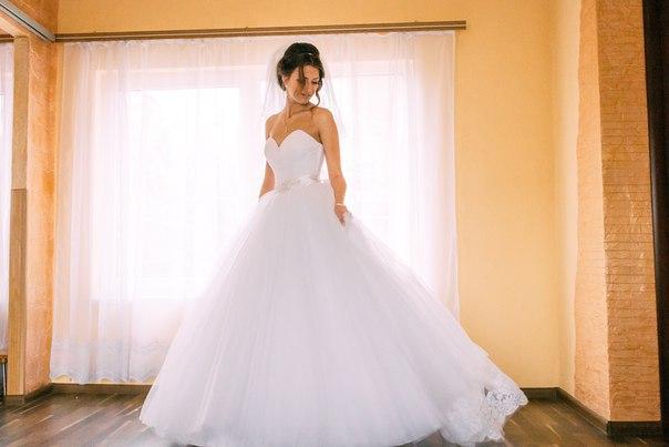 Продається весільна сукня-конструктор. Дизайнерське пошиття.