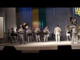 Украинский оркестр играет заглавную тему из Евы