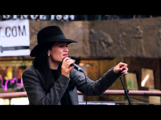 Jessie J Price Tag Acoustic in Camden for Transmitter Live