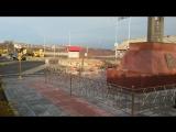 Вечный огонь у мемориального комплекса в Титовке, Мурманская область