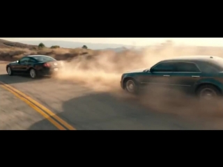 Drive (фильм) Chase between Ford Mustang GT 5.0 Chrysler 300C