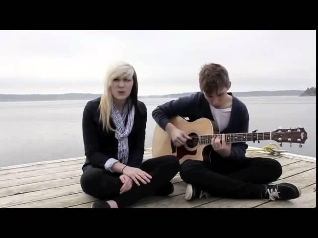 Девчонка с парнем очень круто поют Колдплей 'Yellow'