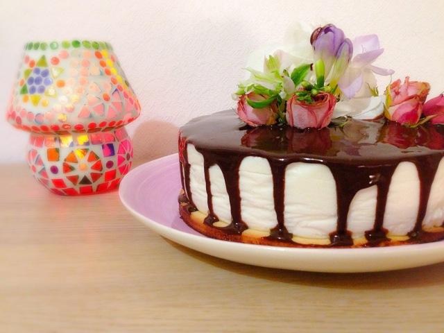 Йогуртовый торт с черной смородиной Yogurt cake with black currant