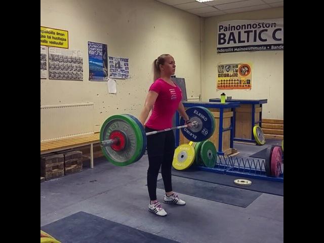 """Anna Everi on Instagram """"2vko MM-kilpailuihin. Treeni alkaa tuntuu taas ihan hyvältä😊👍 training start feeling better again! Soon to Houston 💪tempaus painonnosto…"""""""