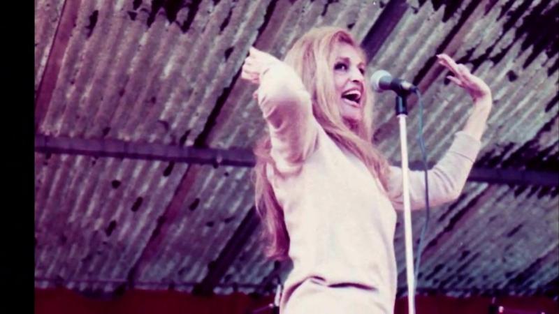 Dalida ♫ Le Lambeth Walk ♪ Live ♪ 24051979 à Cravant les Coteaux