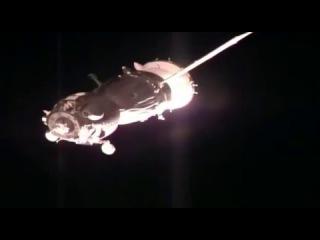 Доказательства!! НЛО кишит вокруг подлёта Союза к МКС 15.12.2015 видео НАСА
