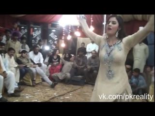 Pakistani girl sexy and best dance ever 2016