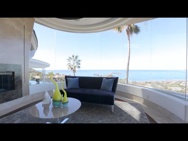 Contemporary Home in La Jolla is Gorgeous in Design Curvilinear Architecture [NVO]