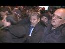 Mihai Ghimpu agresat in fata parlamentului Varianta integrala EXCLUSIV