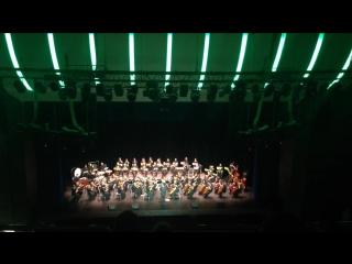 Калининградский областной симфонический оркестр исполняет Имперский марш из Star Wars в Светлогорске