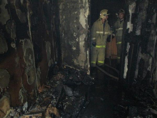 В Таганроге из-за непотушенной сигареты произошел пожар в четырехэтажке