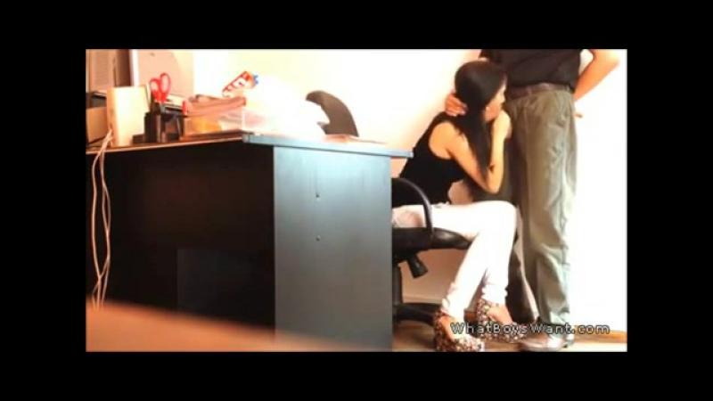 Порно Камера Под Столом В Офисе