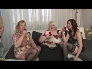 Halina K. (40), Kirsi (45), Charlena (40)